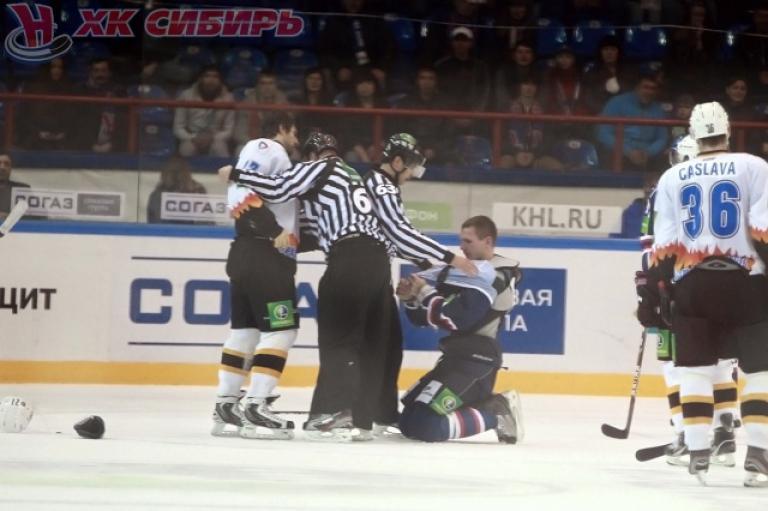 Гимбатов наказан за колющий удар