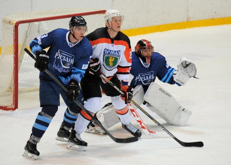 Хоккейный «Ермак» проиграл навыезде «Рязани»