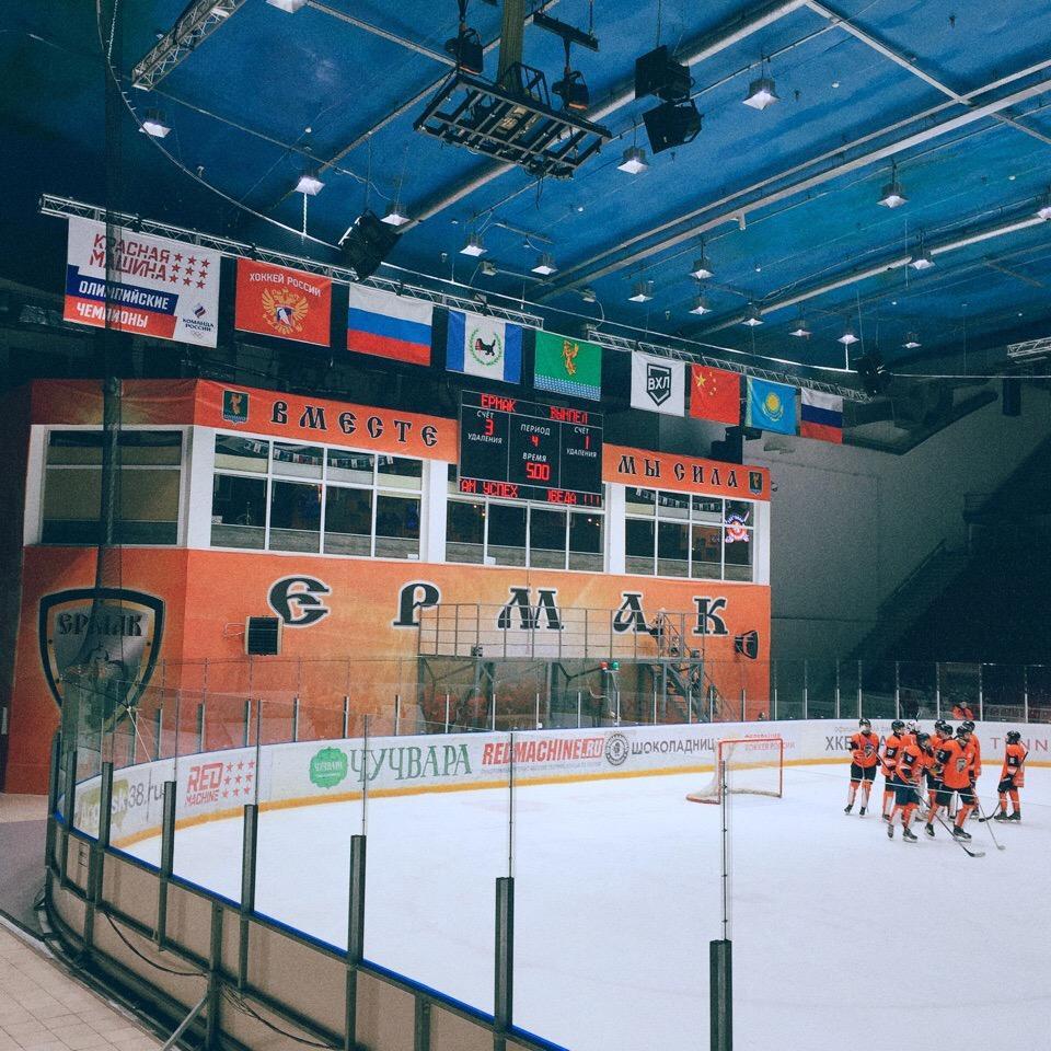 ЮХЛ: Ермак победил Вымпел 3:1