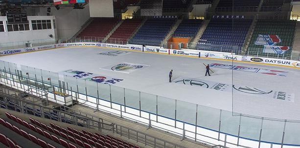 Началась подготовка льда