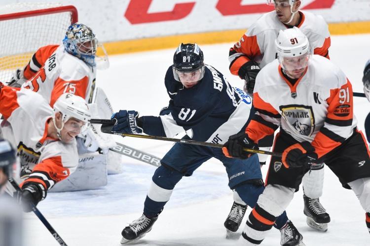 Ермак начал выездную серию с поражения от Динамо