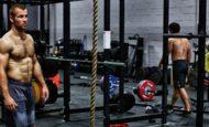 2 эффективных программы круговых тренировок для мужчин на жиросжигание дома и в зале