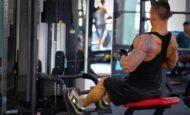Как правильно делать горизонтальную тягу: техника и упражнения на спину в блочном тренажере